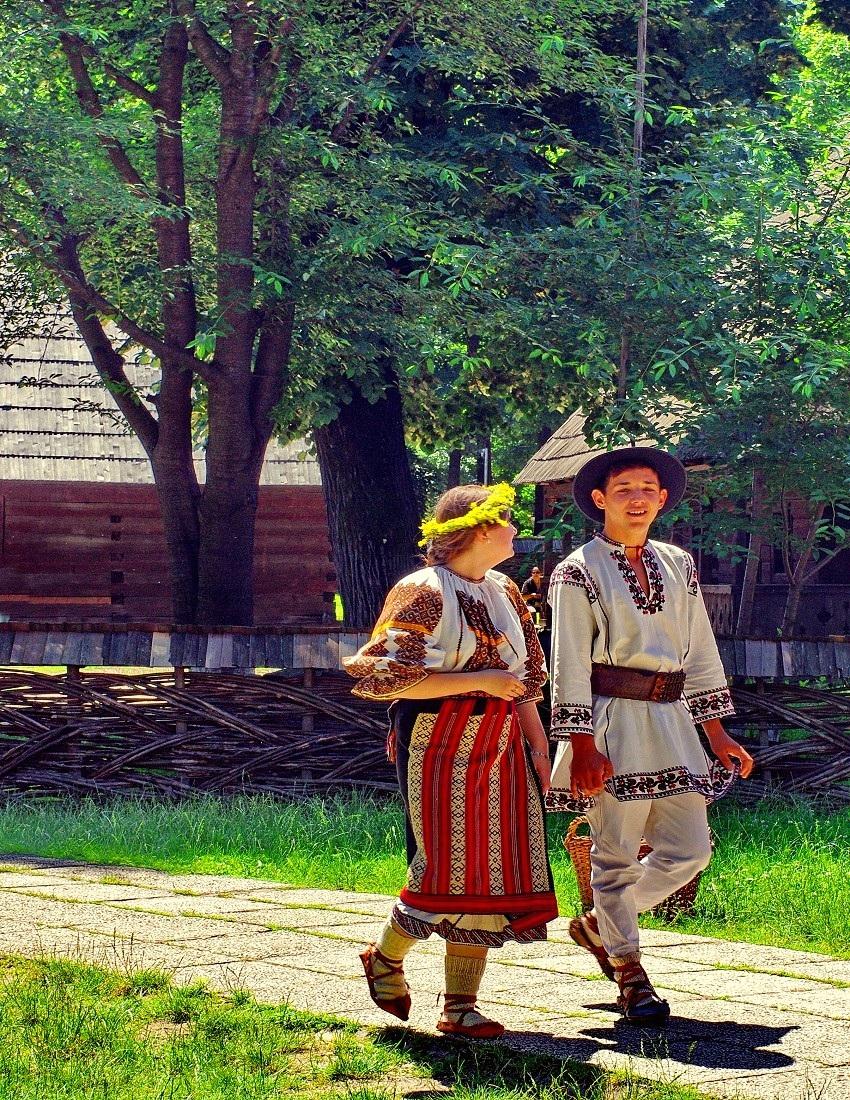 Attend a touristic Wedding in Transylvania
